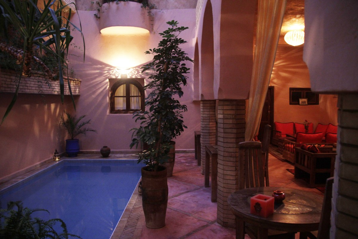 Bhou et piscine du Riad Azenzer