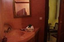Salle de bain en tadelakt dans chambre double supéieure