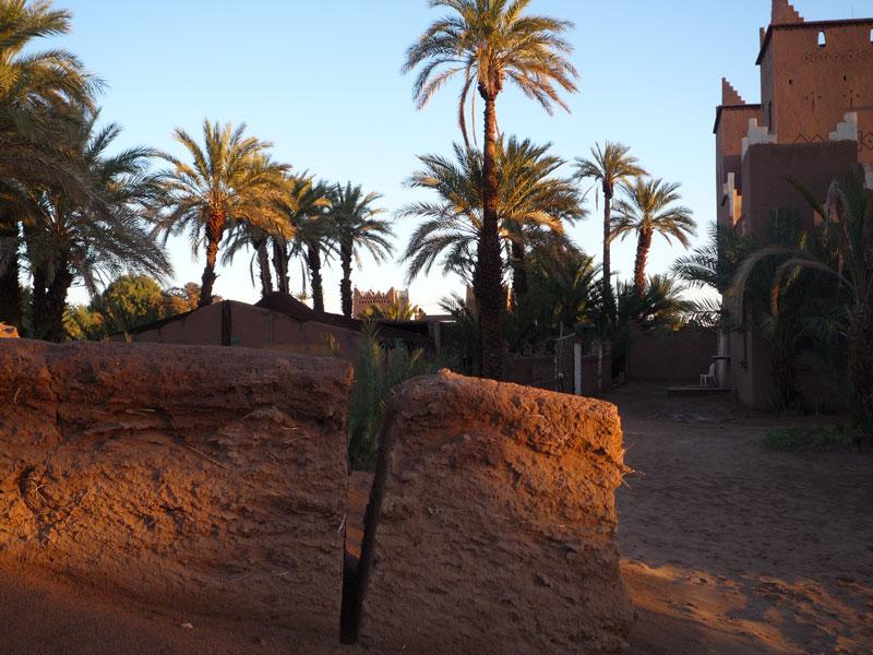 circuit en 4x4 à travers la Vallée du Draa, les dunes de Chigaga et le village d'Aït Benhaddou